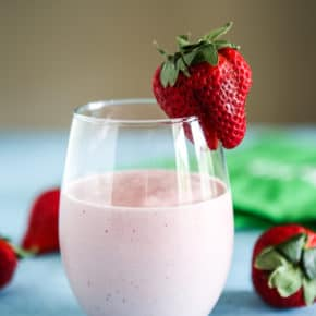 Strawberry Almond Vanilla Chai Tea Smoothie with strawberry garnish